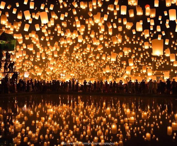 Loi-Krathong-Festival-4